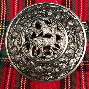 "Scottish Kilt Fly Plaid Brooch "" Dragon Nest"""